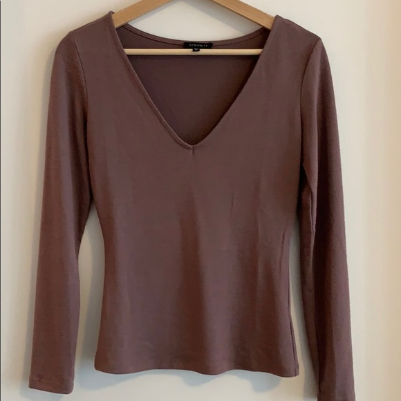Long sleeve v neck top from dynamite